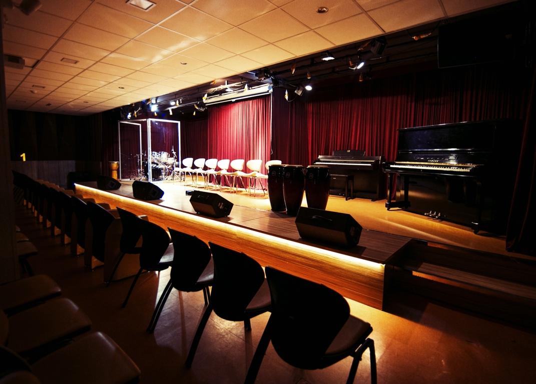 سالن کنسرت سرنا نوا (۲)