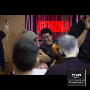 حضور مهدی یغمایی خواننده پاپ، نوازنده ، تنظیم کننده و آهنگساز ایرانی  ( سالن سرنا )